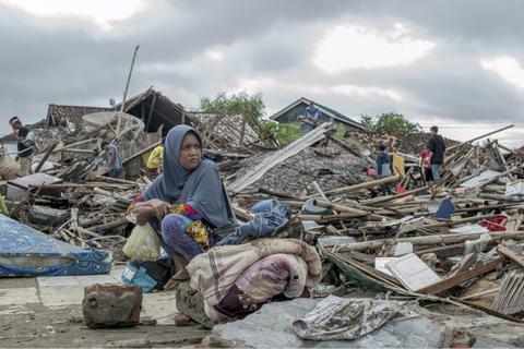 印尼海啸已致334人死亡 仍有至少61人失踪
