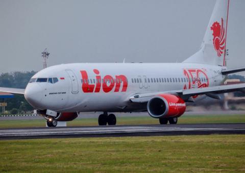 印尼狮航又成苦主:2架波音737 NG发现裂纹被停飞