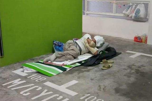 """新加坡""""居者有其屋""""?1000人露宿街头"""