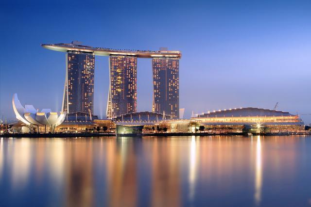 至今为止,新加坡还保留着极其残酷的鞭刑