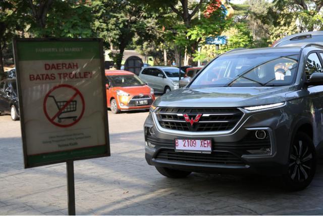 去印尼旅游偶遇国产车!10万不到的宝骏530在印尼格外惹眼