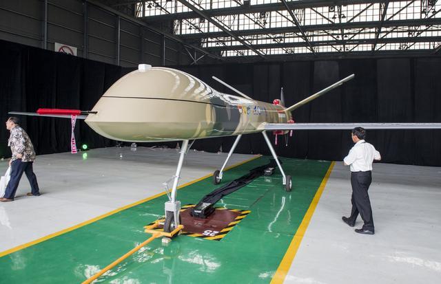 """印尼公布首款国产无人机,网友:怎么越看越像我国""""翼龙""""无人机"""