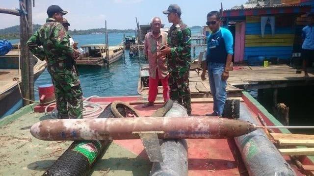 """外媒:印尼渔民捞到中国""""海翼""""水下无人滑翔机"""
