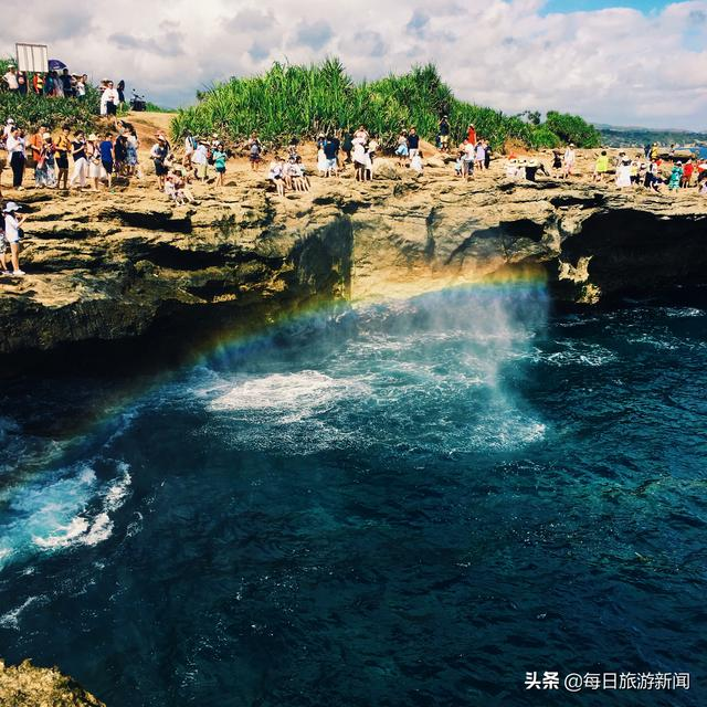 印尼蓝梦岛事故致中国游客一死多伤,中领馆发安全提醒