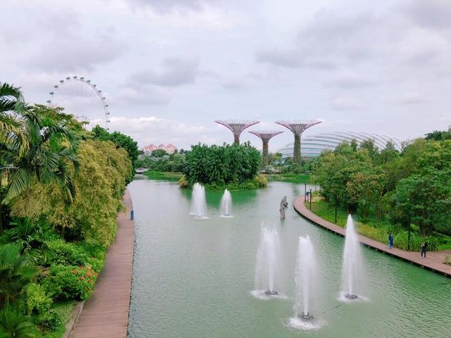 武汉到新加坡6天4晚跟团游