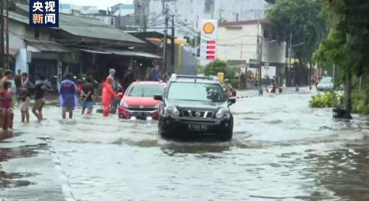 印尼首都雅加达突降暴雨,有10多架次航班延误