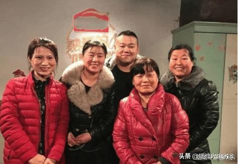 难怪岳云鹏给5个姐姐一人买一套房?你看看5个姐姐对他干了啥?