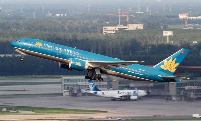 不顾世卫组织反对,越南叫停所有往返中国航班,损失已达约30亿元