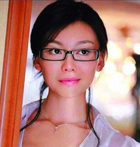 看不上刘亦菲,与巩新亮地下情4年,郎朗为什么最后娶的是吉娜?