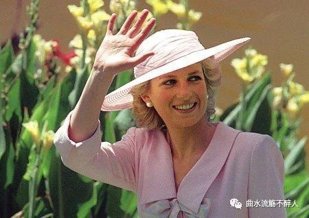 戴安娜(二):都说她的婚姻很不幸,她却从不幸走向传奇