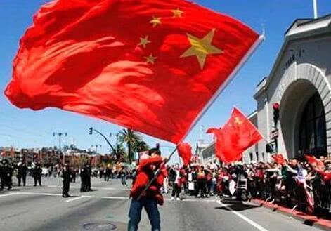 10万华人遭美国遣返,没了中国国籍他们咋办?中国做法显大国霸气