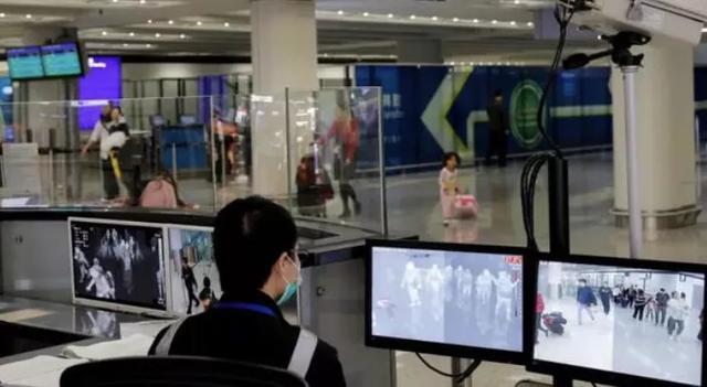 新加坡卫生部:每天仍有近1000人出国…