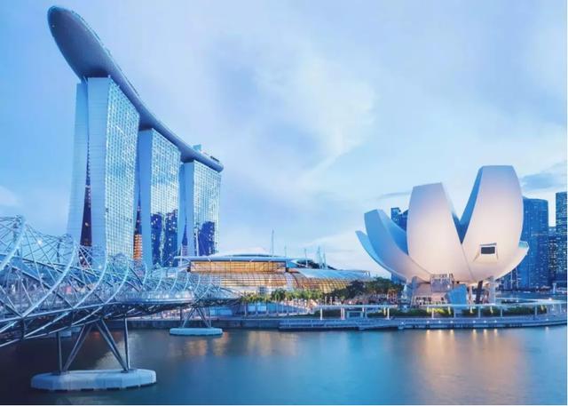 新加坡大部分是华人,为何跟中国关系不冷不热?我们走的路不一样