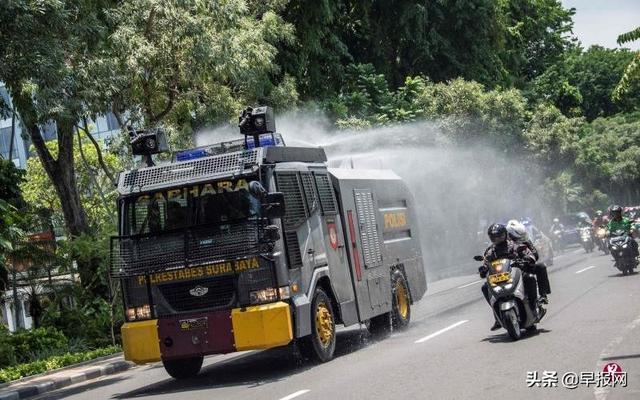 专家担心死例堪比大海啸 印尼准备封锁大雅加达地区