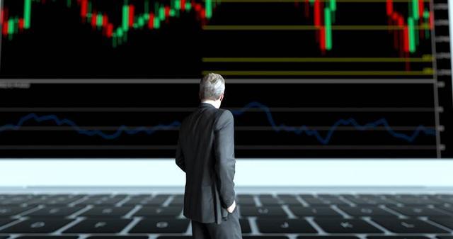 美国担心的事发生:美国财政赤字或达3.7万亿,超10万家美企倒闭
