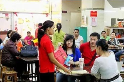 华人纷纷离开印尼,印尼感到后悔,如今挽留也来不及了