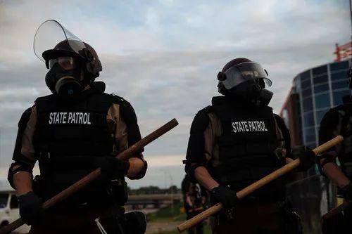 """疫情""""打掩护"""",美国这些暴力行为愈演愈烈……"""