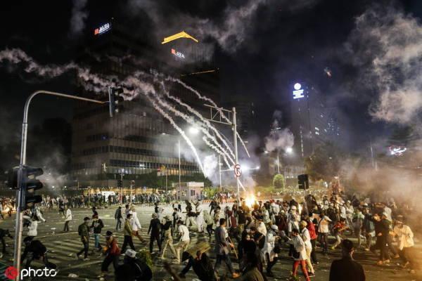 """印尼大选后有抗议者煽动""""反华"""",我使馆提前发布预警"""