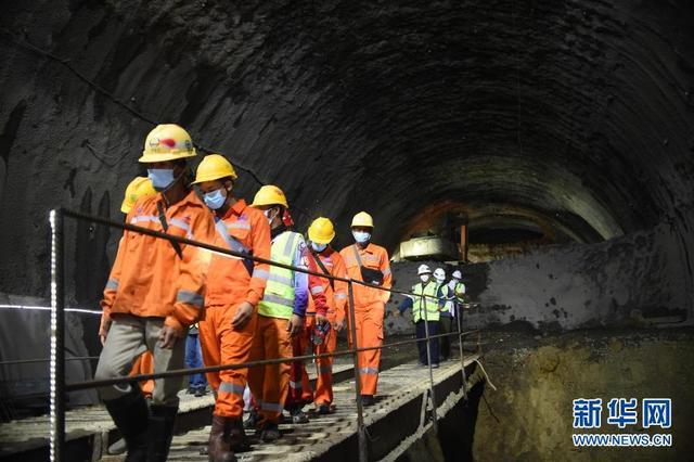 印尼雅万高铁首座千米以上隧道顺利贯通