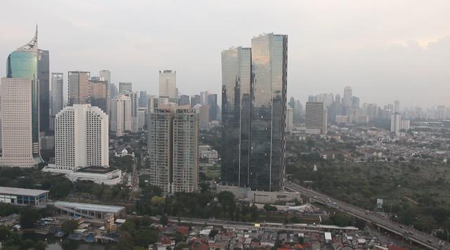 确诊人数连三并四破纪录 印尼隔离政策无可奈何再延长