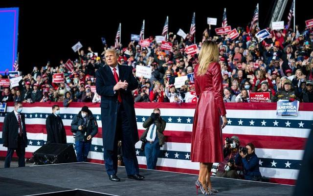 """美国""""史上最重要""""国会选举:特朗普发起""""总攻"""",共和党陷入内斗"""