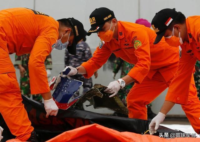 印尼坠机细节:空管曾纠正偏离航线,坠海前无任何求救,不排除人为