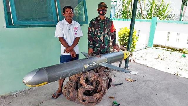 印尼渔民在南海捞出什么?上面全是中国字,美媒:作战意义很大