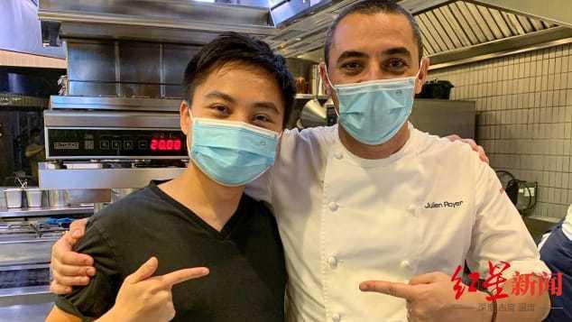 255家餐厅、37颗米其林星:因疫情滞留,华裔小伙一年吃遍新加坡