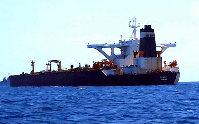 中国涉入印尼扣押油轮事件,船上载25名中国人,外交部:保障安全