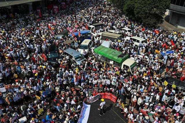 """夏方波 陈琪:印尼中意的""""东盟方式""""能化解缅甸僵局,还是会束缚东盟手脚?"""
