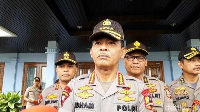 受疫情影响 印尼新年禁止燃放烟花和游行