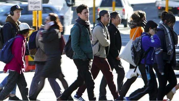 """1150名留学生下个月率先回澳!""""封国令""""或延长至明年"""