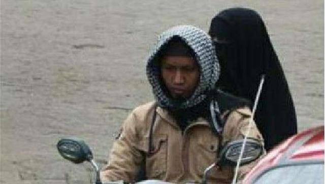印尼警方公布望加锡教堂自杀式袭击两名嫌疑人前往事发地作案照片