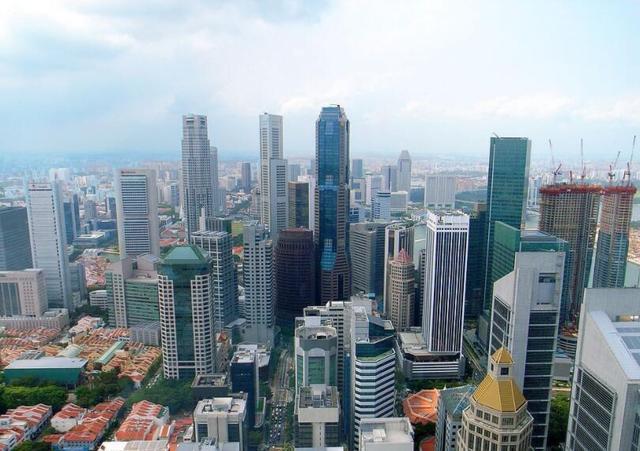 新加坡人口密度是我国的54倍,可为何他们的街道一点也不拥挤?