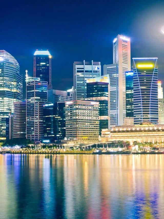冷门地理知识—— 新加坡农民在摩登大楼种菜养鱼