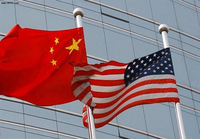 美国与中国展开全面战略竞争,为何说美国内部问题比中国更可怕?