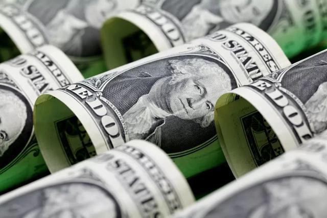 通胀阴影下的美国,美国人正抢购囤积中国货,尽快花掉美元