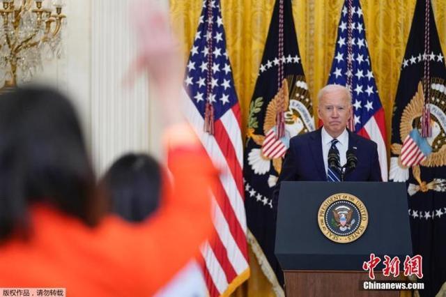 """拜登发表首次国会演讲 称""""美国已重新运转起来"""""""