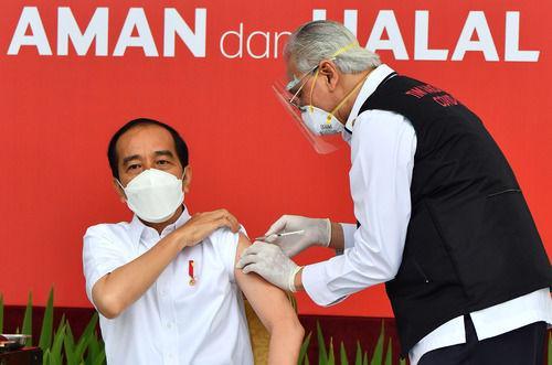印尼总统会见王毅:中方提供疫苗已抵达,我成为印尼首个接种者,感谢倾力支持