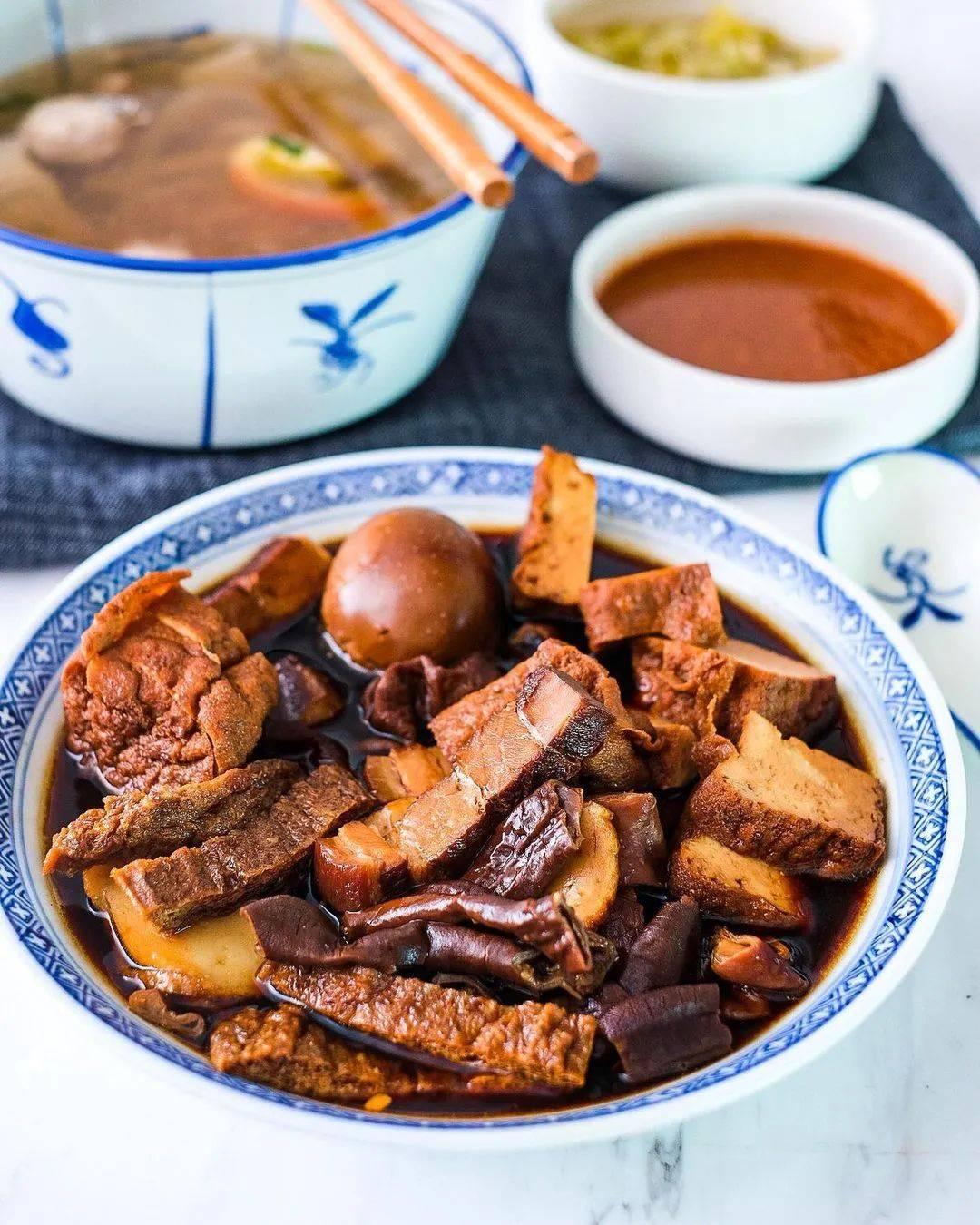 狮城MRT美食 宏茂桥隐藏美食合集,烤肉、日料、泰餐,周末逛吃路线get