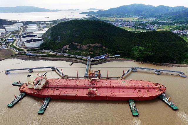 船用油加注五年翻番 中国加速追赶新加坡