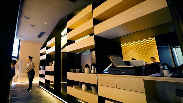 新加坡纳间建筑设计   燃炙屋·日式烧烤居酒屋