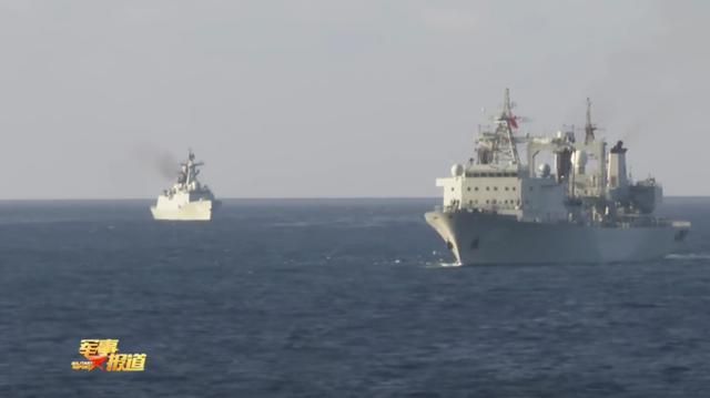 中国、新加坡海军舰艇编队举行海上联合演习,现场画面曝光